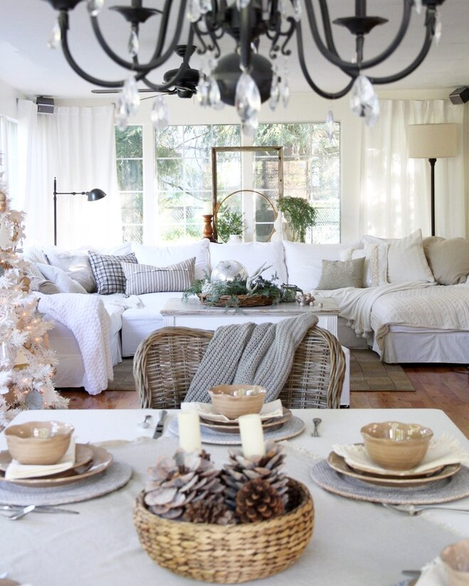 This Joyful Home Is Getting Us In The Holiday Spirit Wayfair