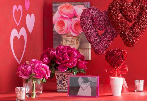 Valentine's Day Florals & Decor