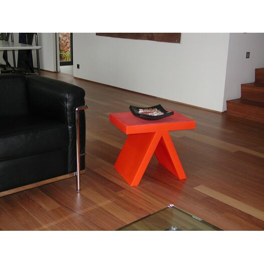 Slide design toy end table chair reviews allmodern for Table exterieur orange
