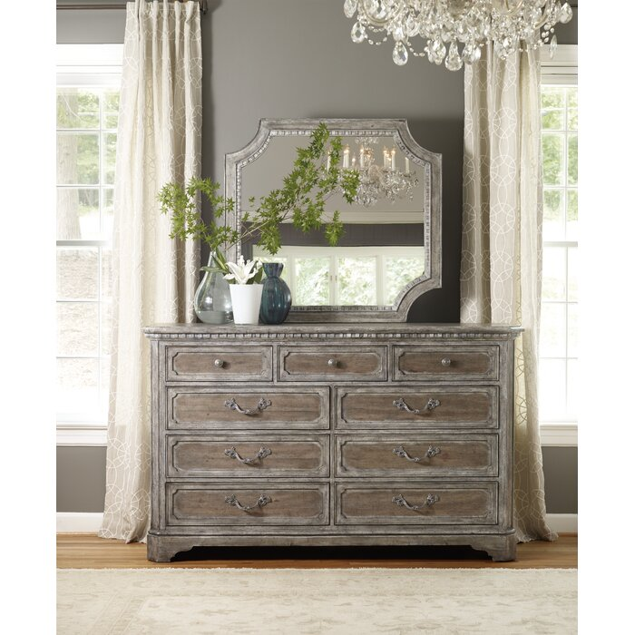 Hooker Furniture True Vintage 9 Drawer Dresser w..