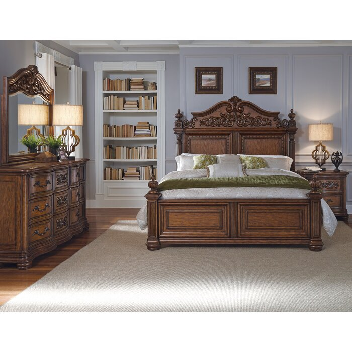 Pulaski Furniture Cheswick Four Poster Customizable Bedroom Set