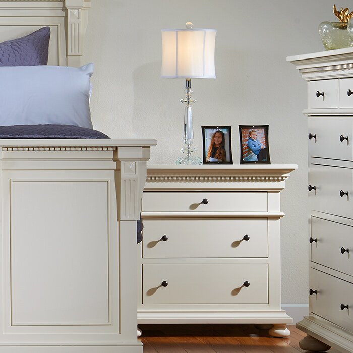 Bebe Furniture Soraya Four Poster Customizable Bedroom Set