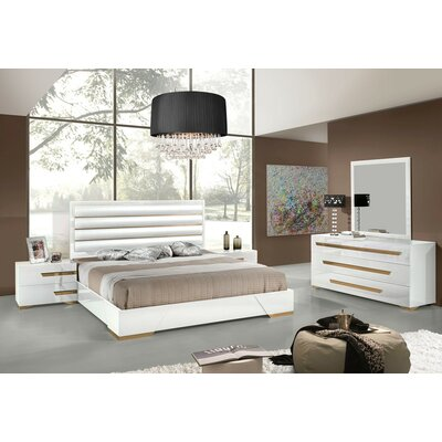 Wade Logan Marley Platform Customizable Bedroom Set