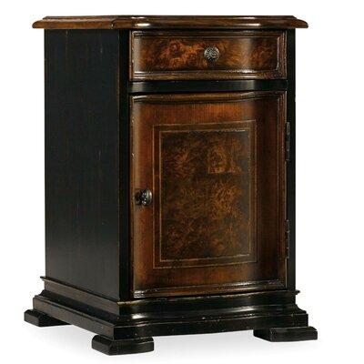 Hooker Furniture Grandover Chairside Chest