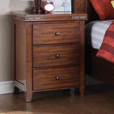 Loon Peak Nashoba 3 Drawer Bachelor's Chest