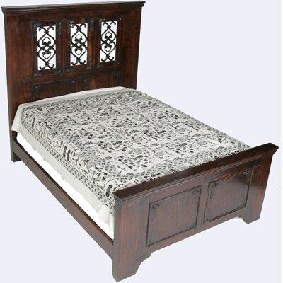 MOTI Furniture Durango Platform Bed