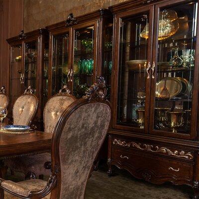 Michael Amini Platine De Royale Curio Cabinet