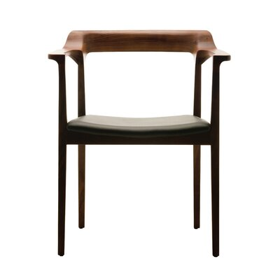 Nuevo Caitlan Arm Chair