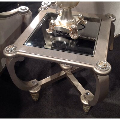 Benetti's Italia Sofia End Table