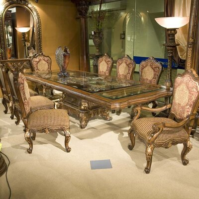 Benetti's Italia Regalia 9 Piece Dining Set