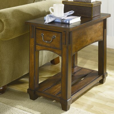 Hammary Tacoma Chairside Table