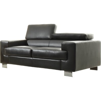 Woodhaven Hill Vernon Loveseat