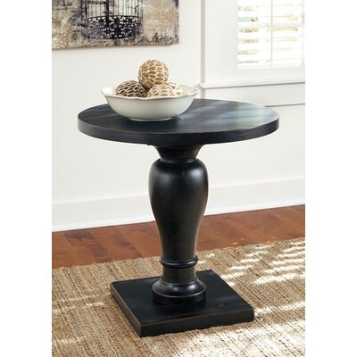Signature Design by Ashley Vennilux End Table