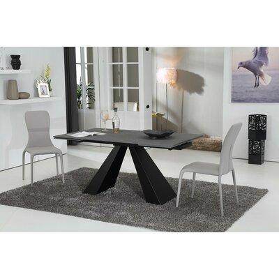 Wade Logan Wesley Extendable Dining Table