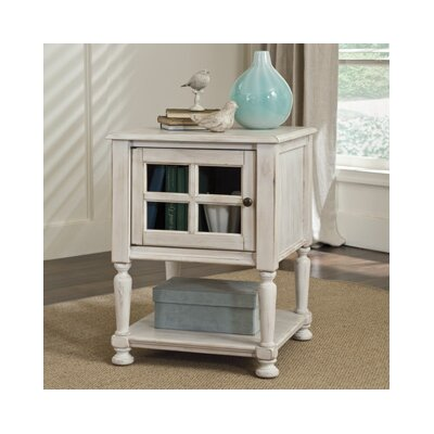 Lark Manor Bezons Chairside Table III
