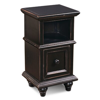 August Grove Ashleigh End Table