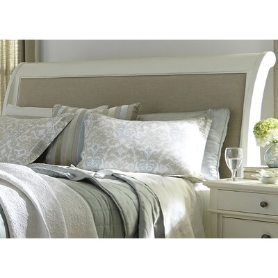 Beachcrest Home Harbor View Sleigh Bed
