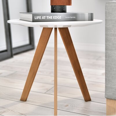 Kure Dolf Side Table