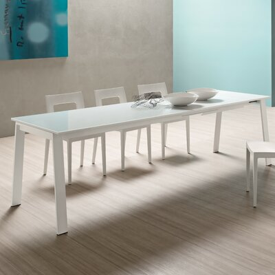YumanMod Alpha Extendable Dining Table