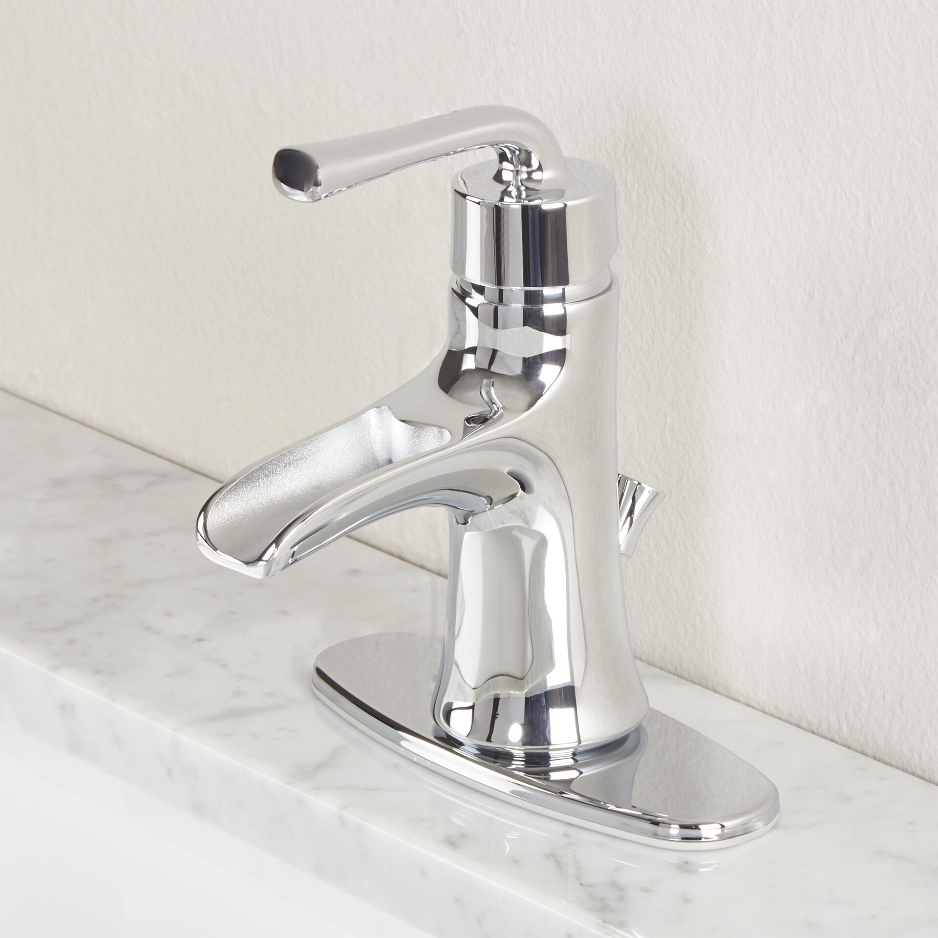 Premier faucet sanibel single handle bathroom faucet for Pictures of bathroom faucets