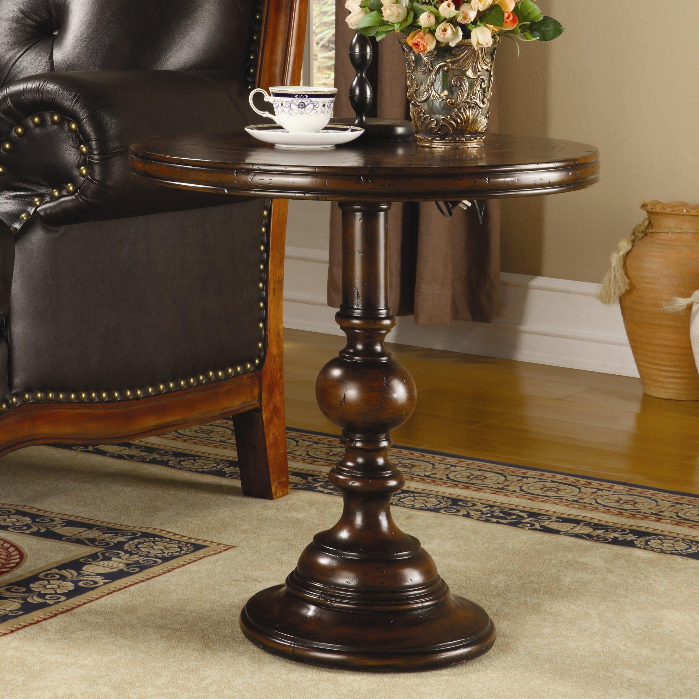 Hooker Furniture Seven Seas End Table & Reviews