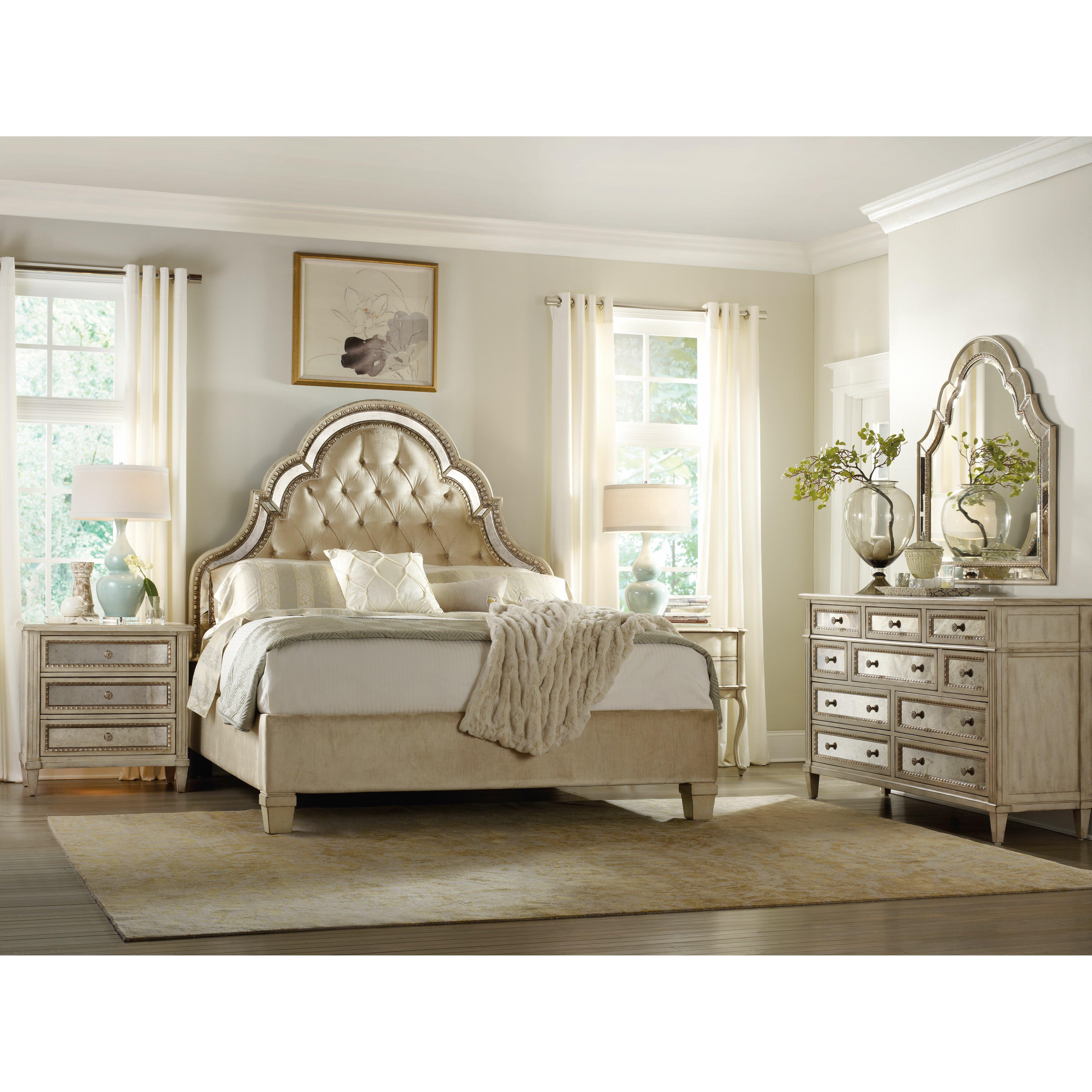 Hooker Furniture Sanctuary 3 Drawer Bachelor's Chest