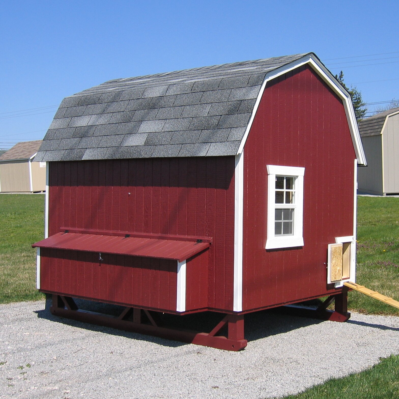 Little cottage company gambrel barn chicken house with for Gambrel barn prices