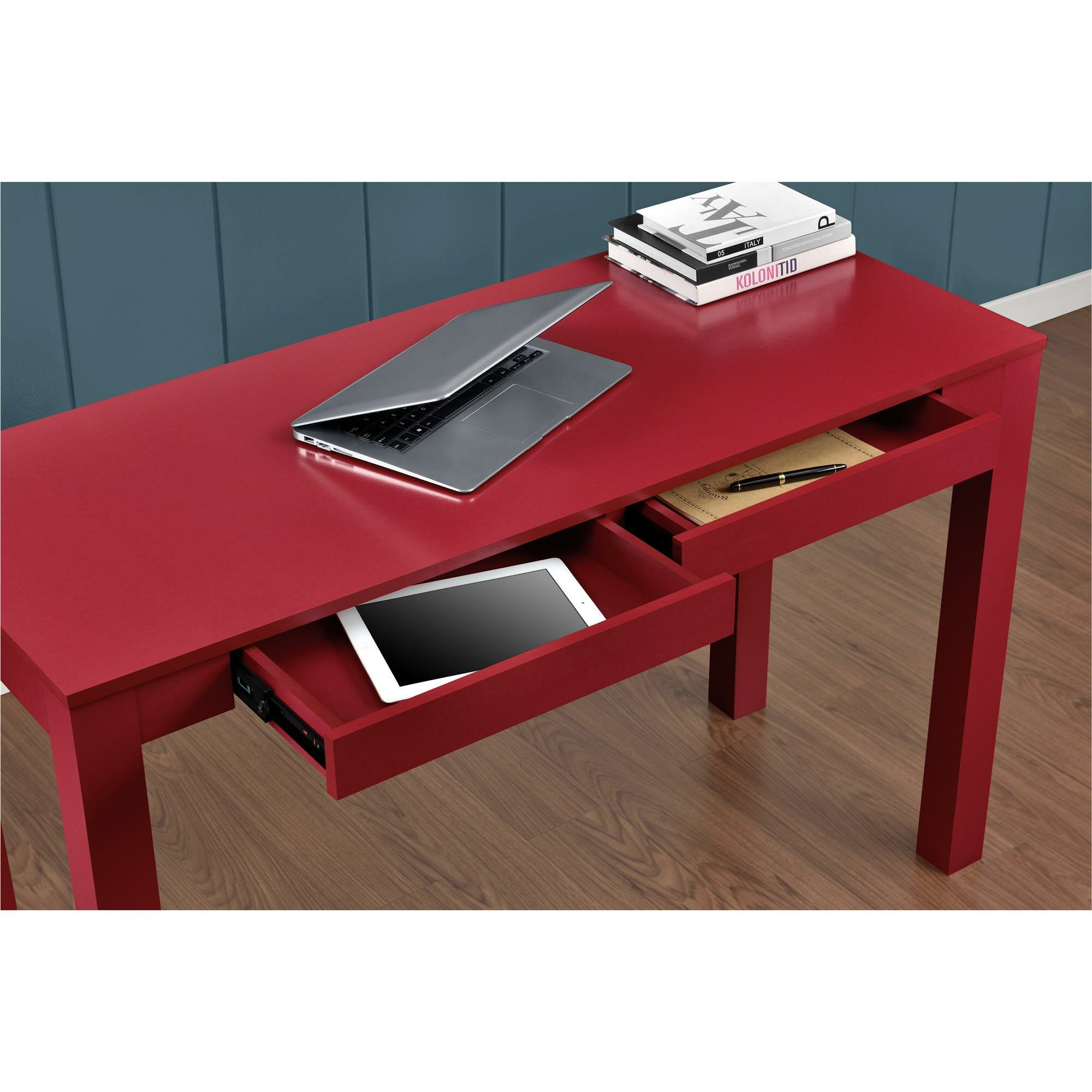 The Altra Parsons Deluxe Desk Is A Little On The Cheap ...
