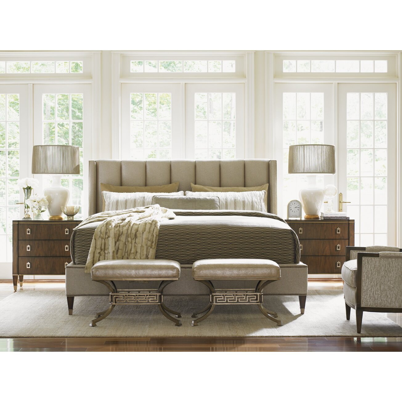 Bedroom Furniture: Lexington Tower Place Platform Customizable Bedroom Set