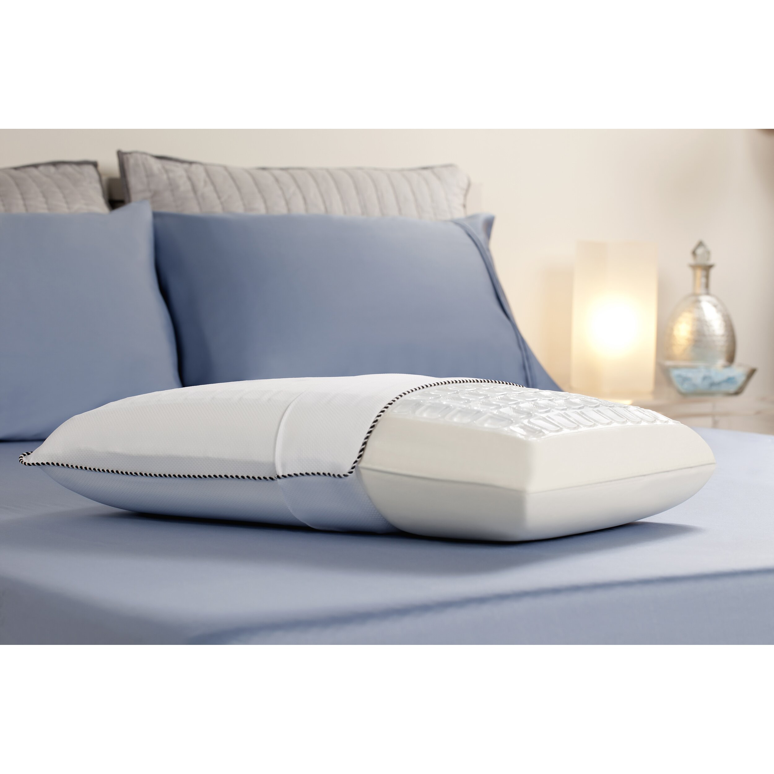 Comfort revolution cooling cube bed memory foam standard for Comfort revolution king pillow
