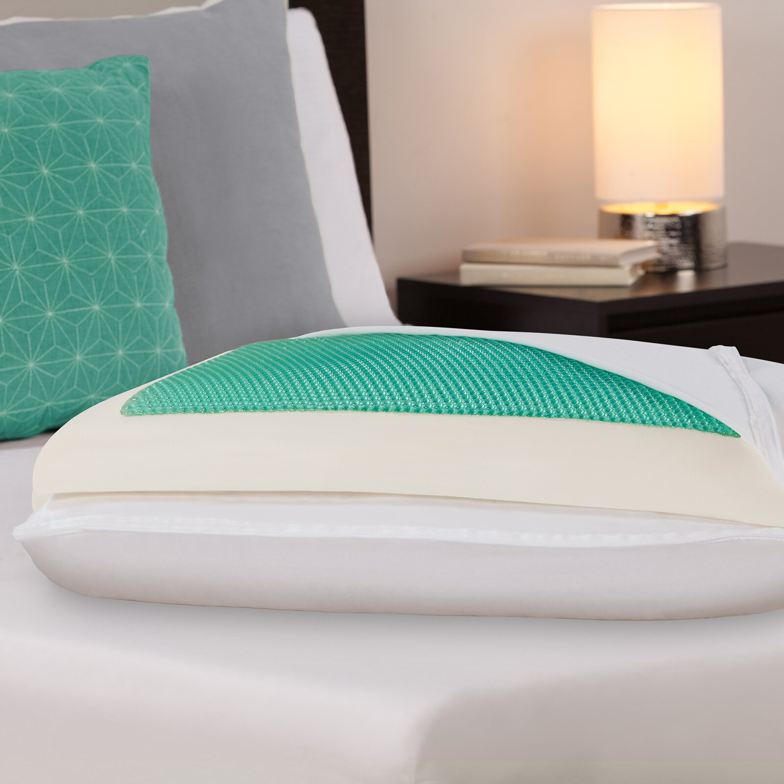 Comfort revolution dreamfinity comfort plus half and half for Comfort revolution king pillow