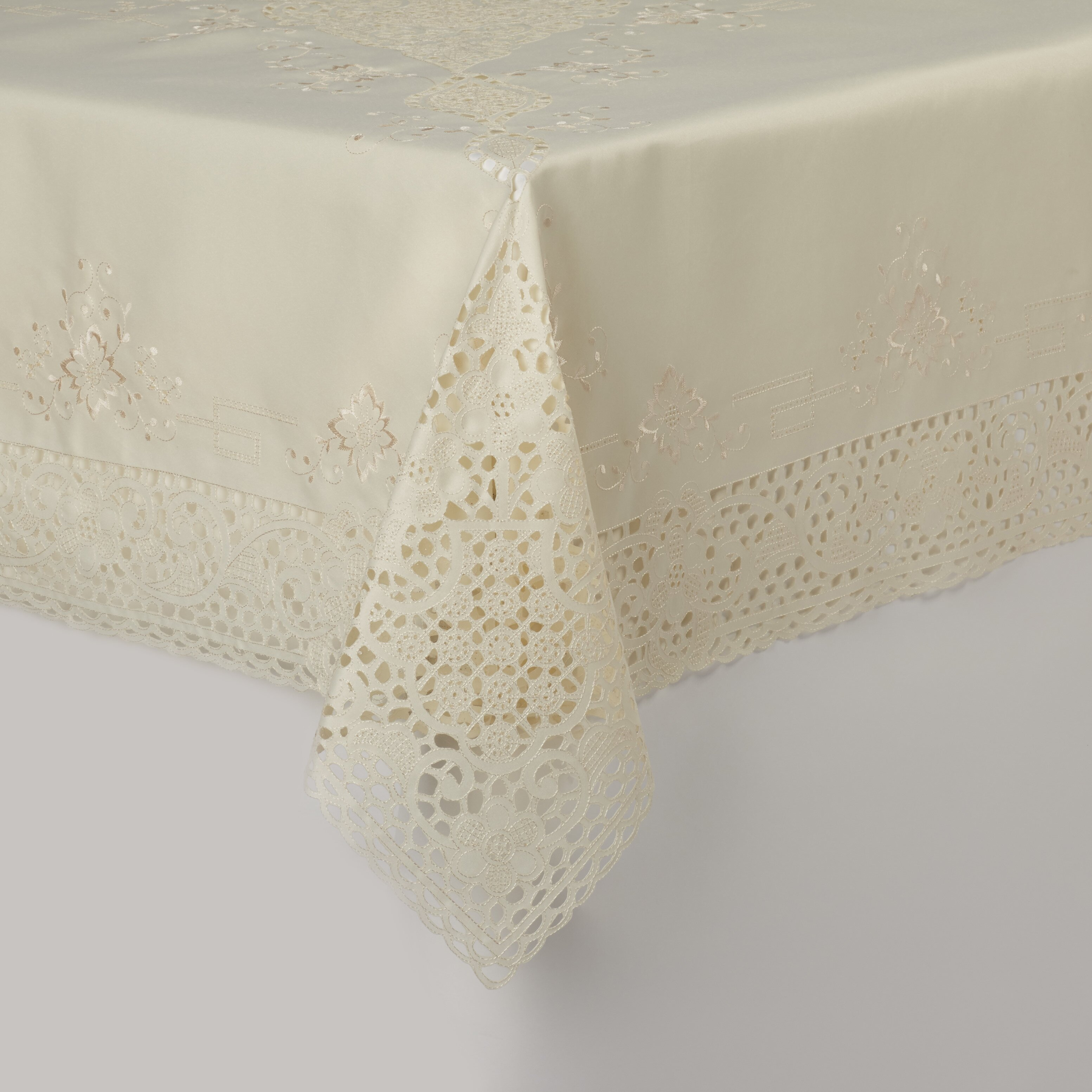 Saro embroidery cutwork vintage design tablecloth wayfair for Glass cut work designs
