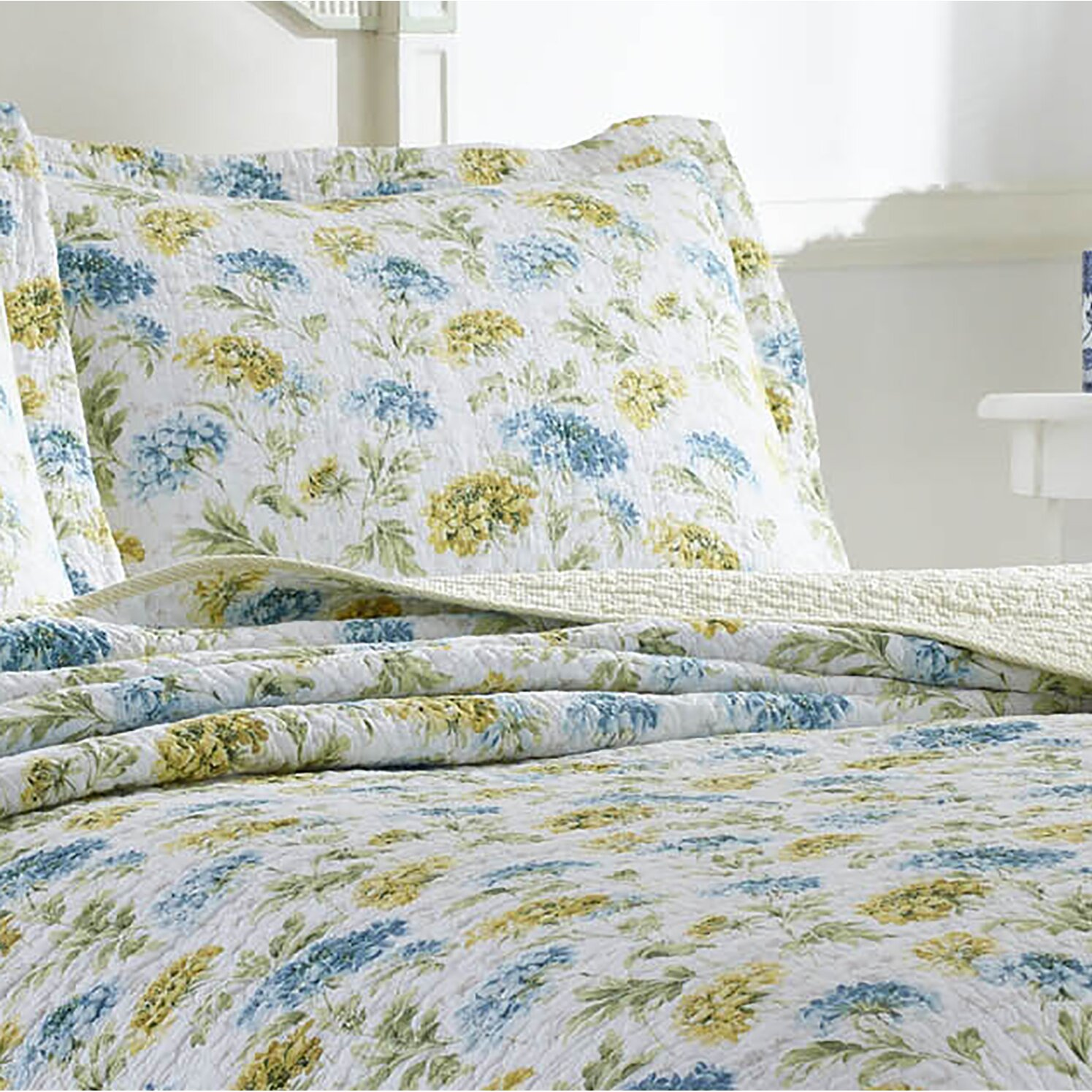laura ashley home edwina quilt set reviews wayfair. Black Bedroom Furniture Sets. Home Design Ideas