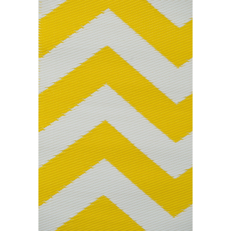 green decore psychedelia yellow white indoor outdoor area rug reviews wayfair uk. Black Bedroom Furniture Sets. Home Design Ideas