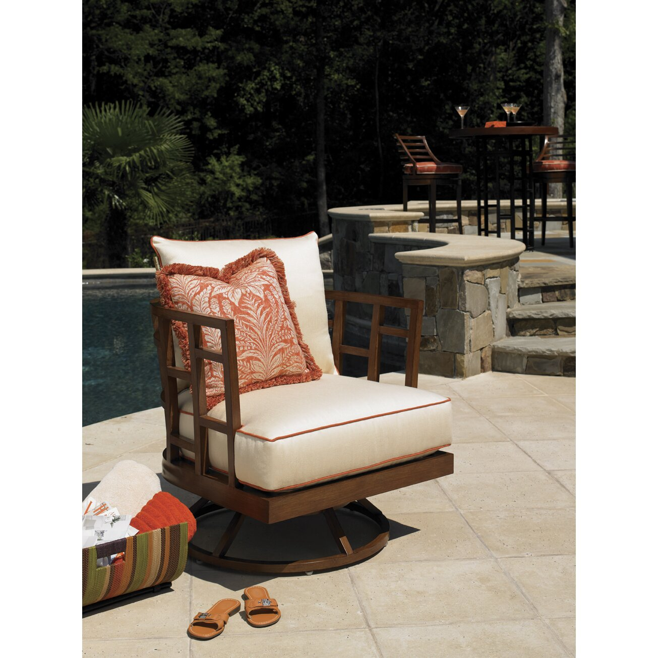 Tommy Bahama Outdoor Ocean Club Resort Swivel Lounge Chair