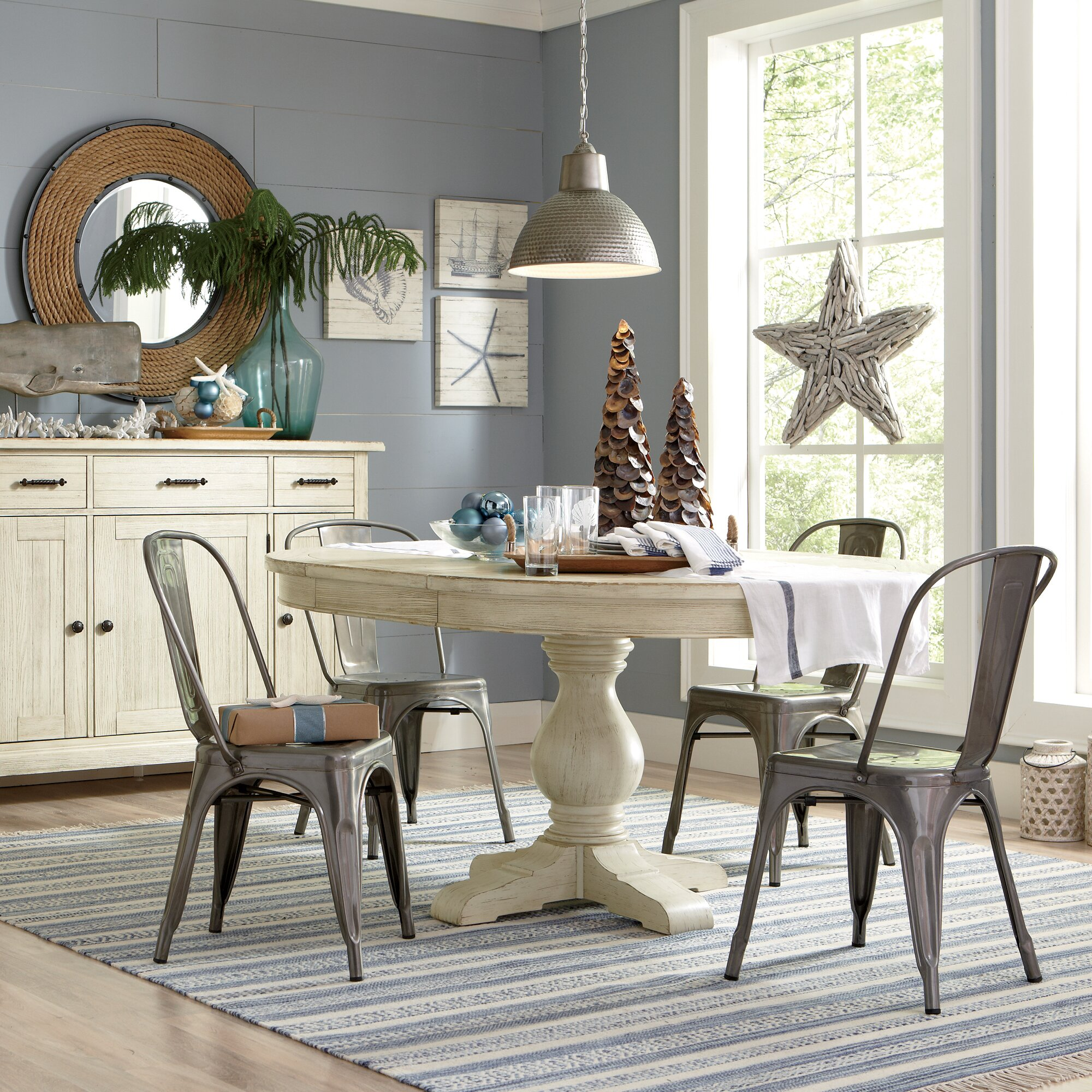 Birch Lane Clearbrook Round Extending Dining Table