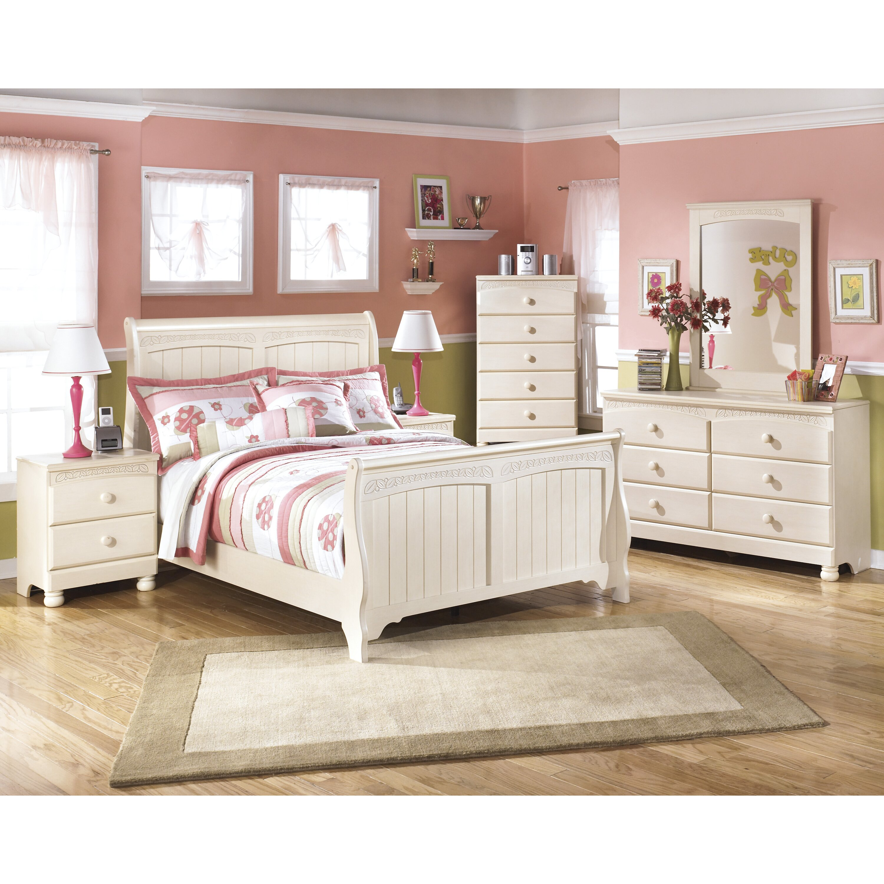 Ashley Furniture Fayetteville: Signature Design By Ashley Cottage Retreat 5 Drawer Chest