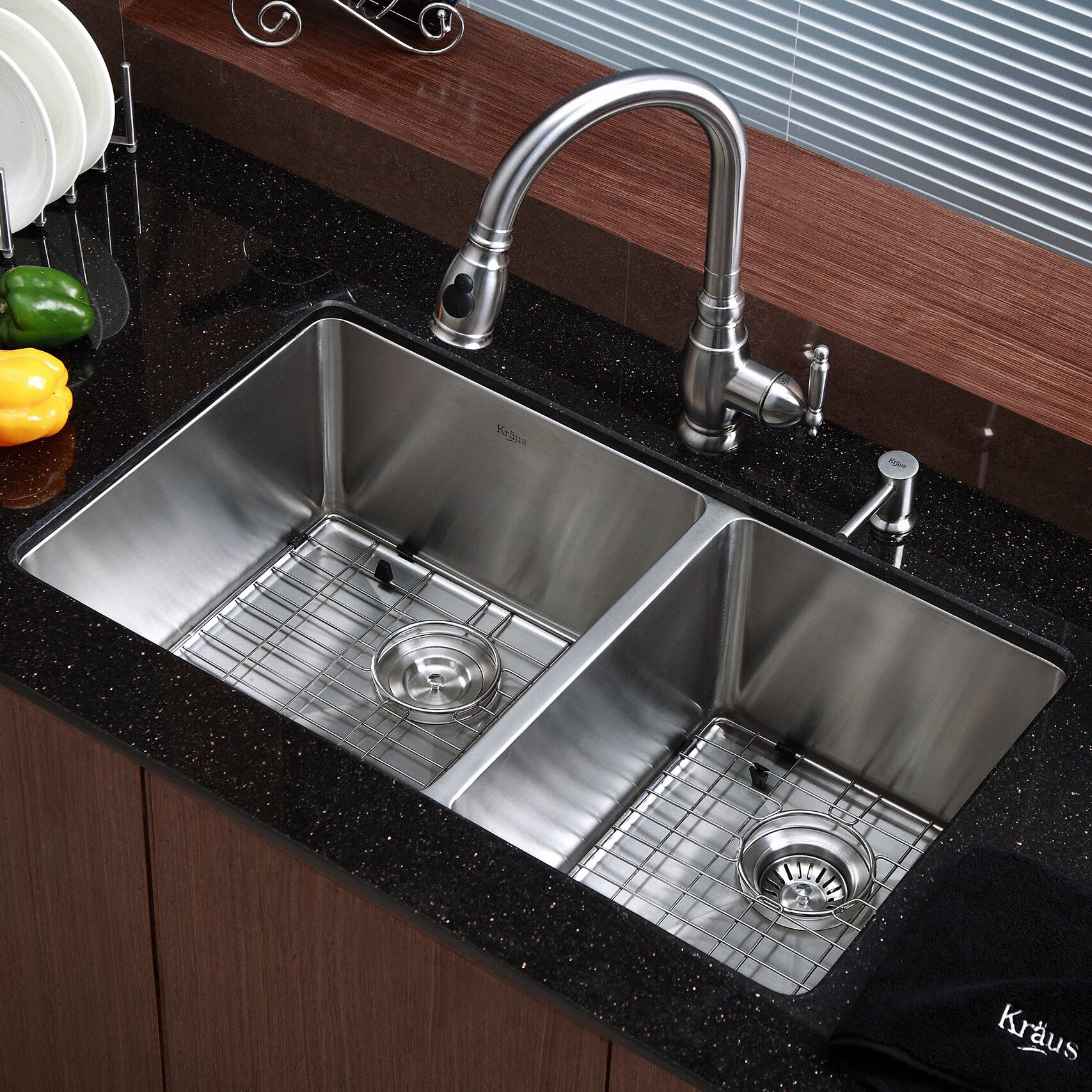 "Kitchen Sink Kraus: Kraus Kitchen Sink 32.75"" X 19"" Double Bowl Undermount"