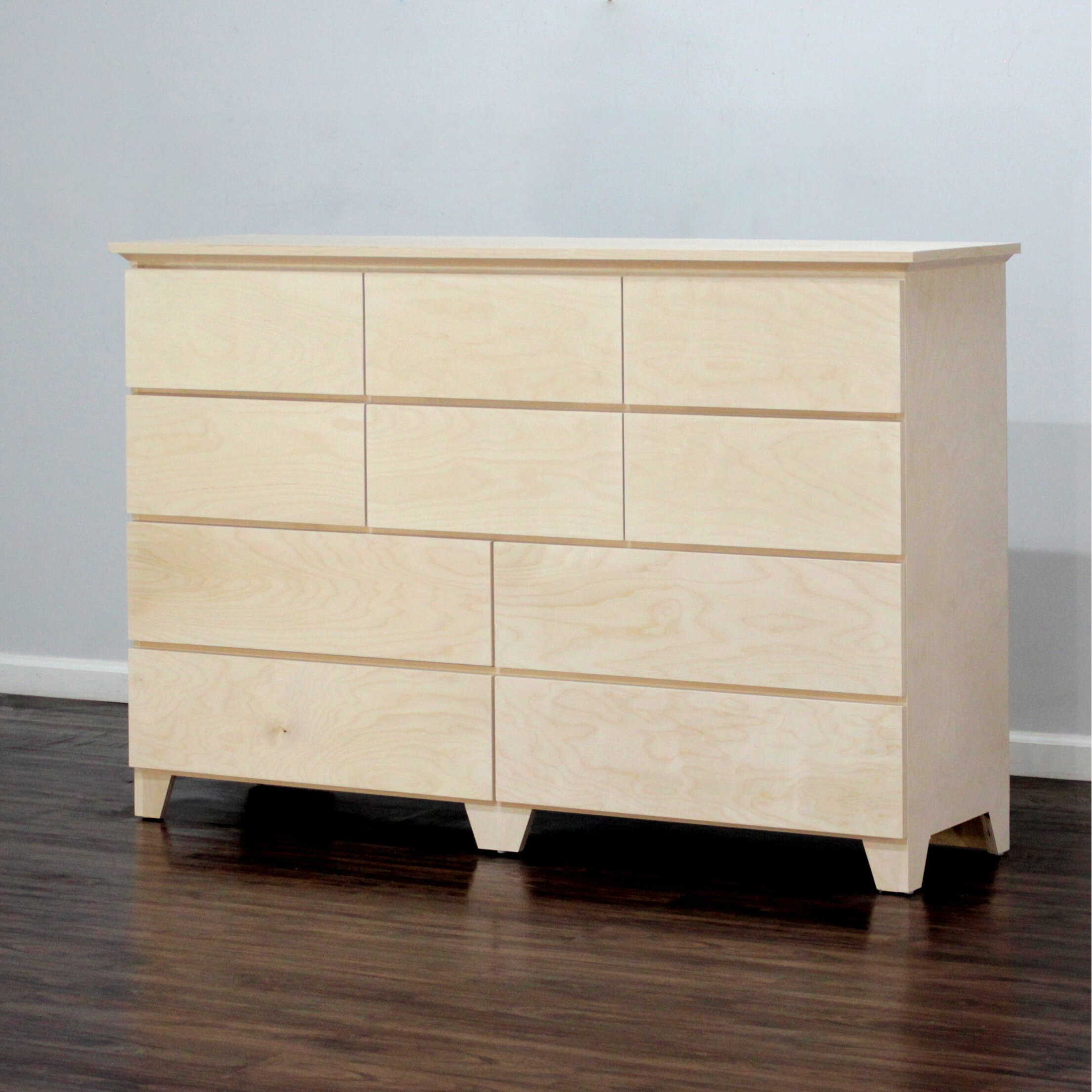 Gothic furniture flat shaker 10 drawer dresser reviews for Flat furniture