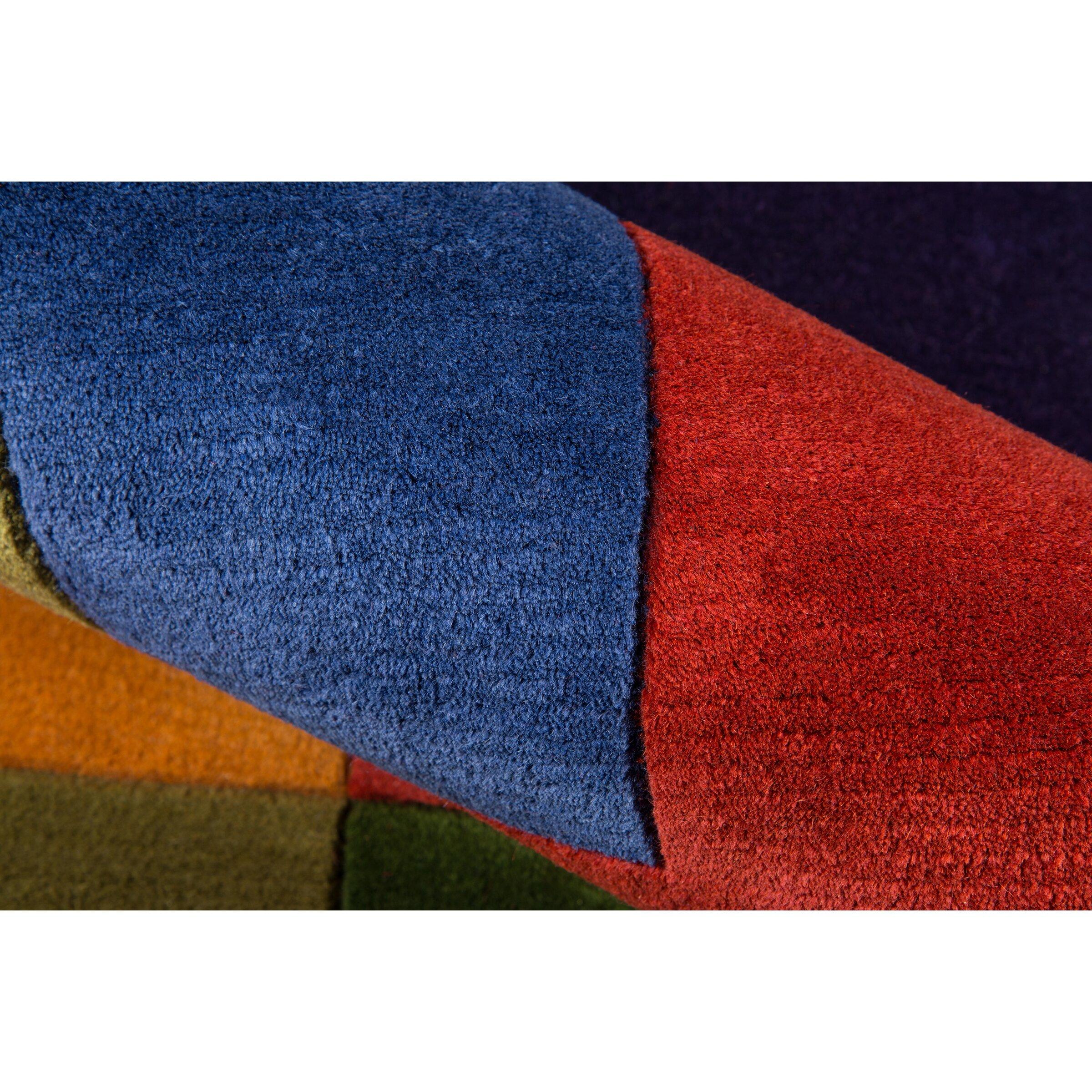 Momeni New Wave IV Hand-Tufted Red/Orange Area Rug