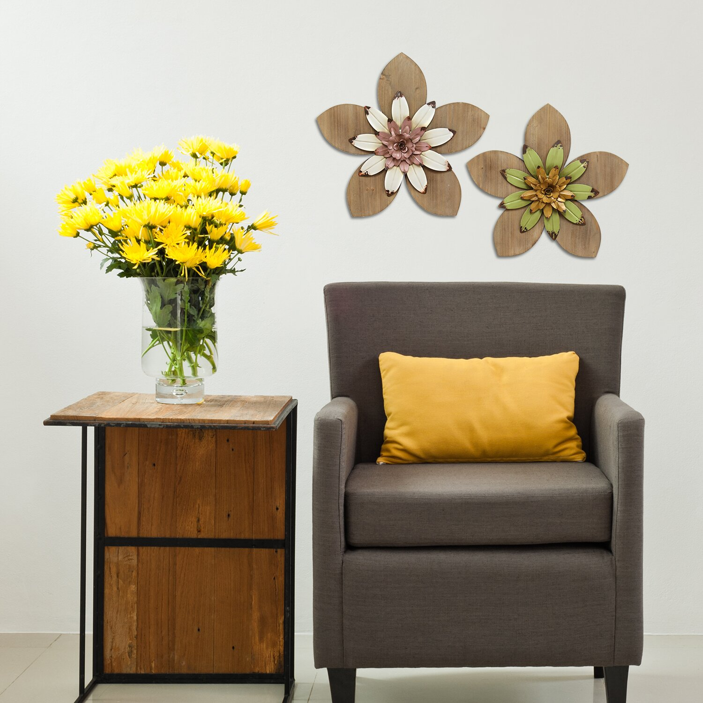 Stratton Home Decor Rustic Flower Wall D Cor