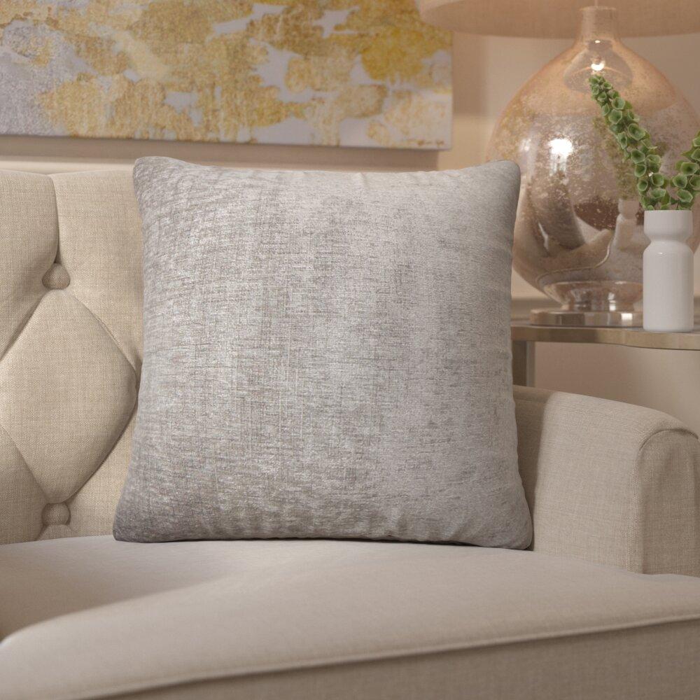 House of hampton nandrin velvet throw pillow reviews for Buy hampton inn pillows