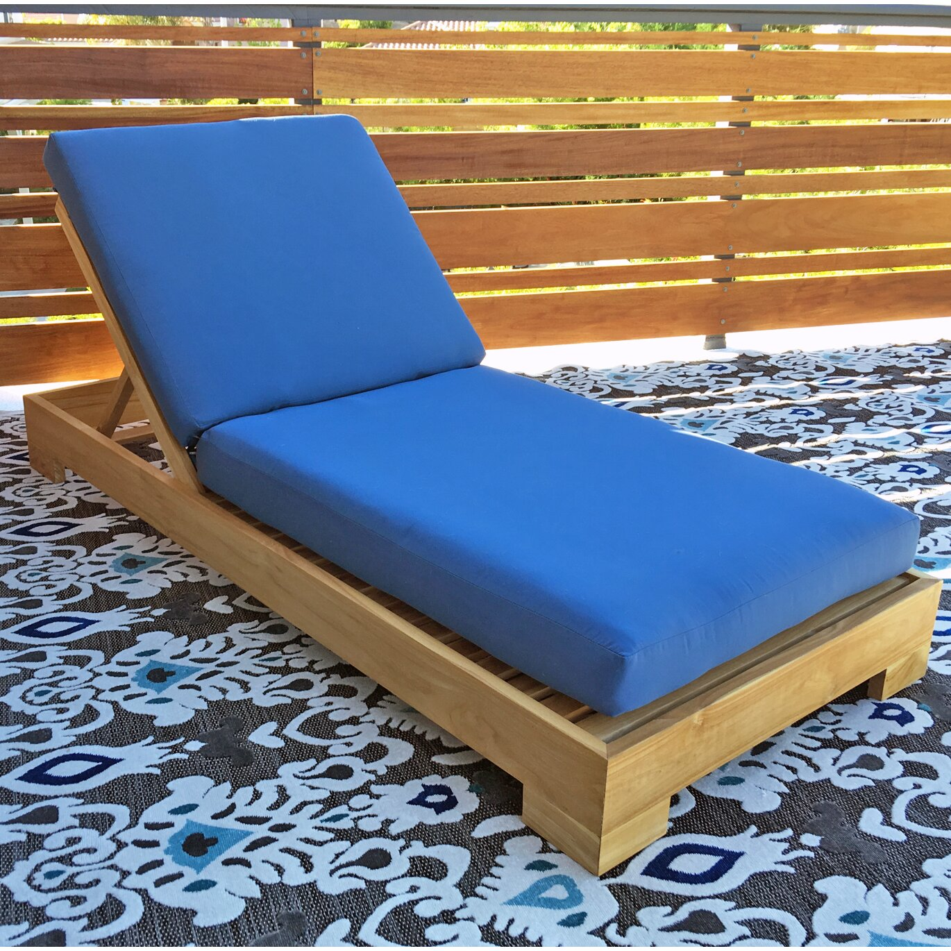 Willow creek designs outdoor sunbrella chaise lounge for Willow creek designs