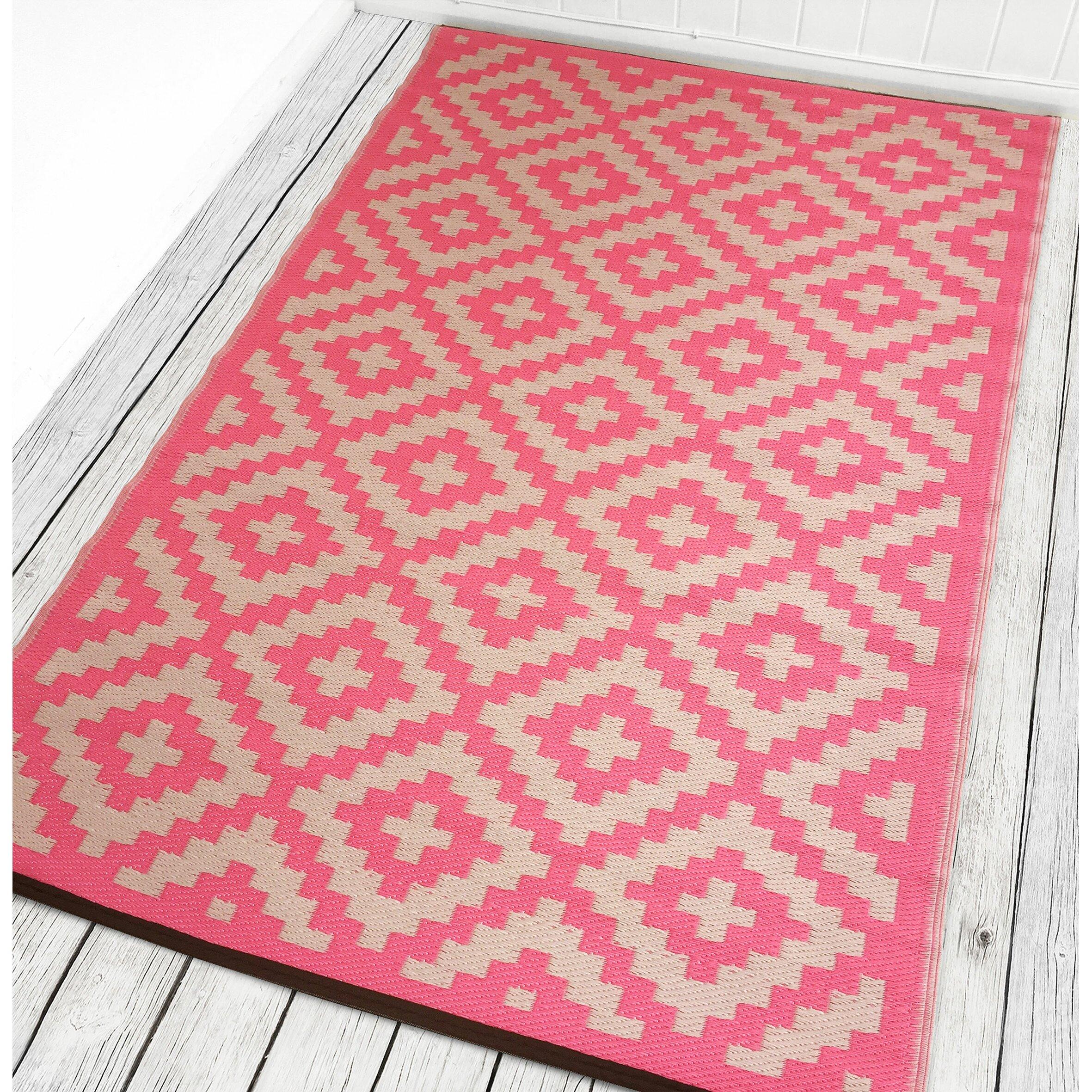 Green Decore Nirvana Pink/White Indoor/Outdoor Area Rug