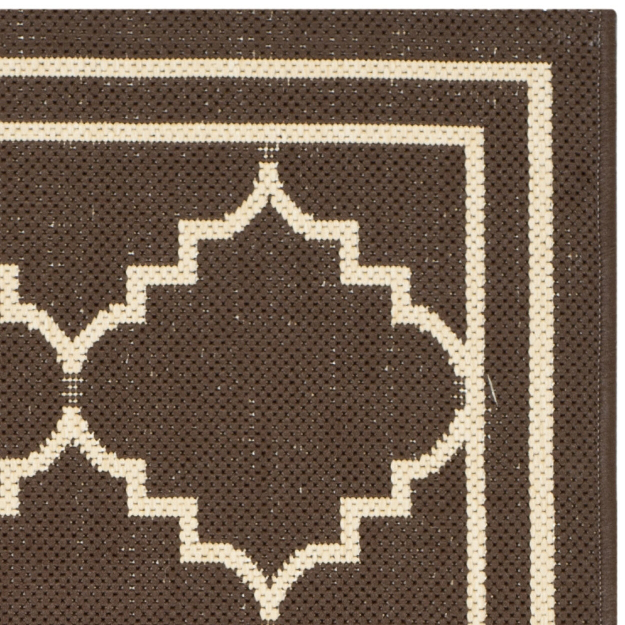 Safavieh courtyard chocolate cream indoor outdoor rug for Indoor out door rugs