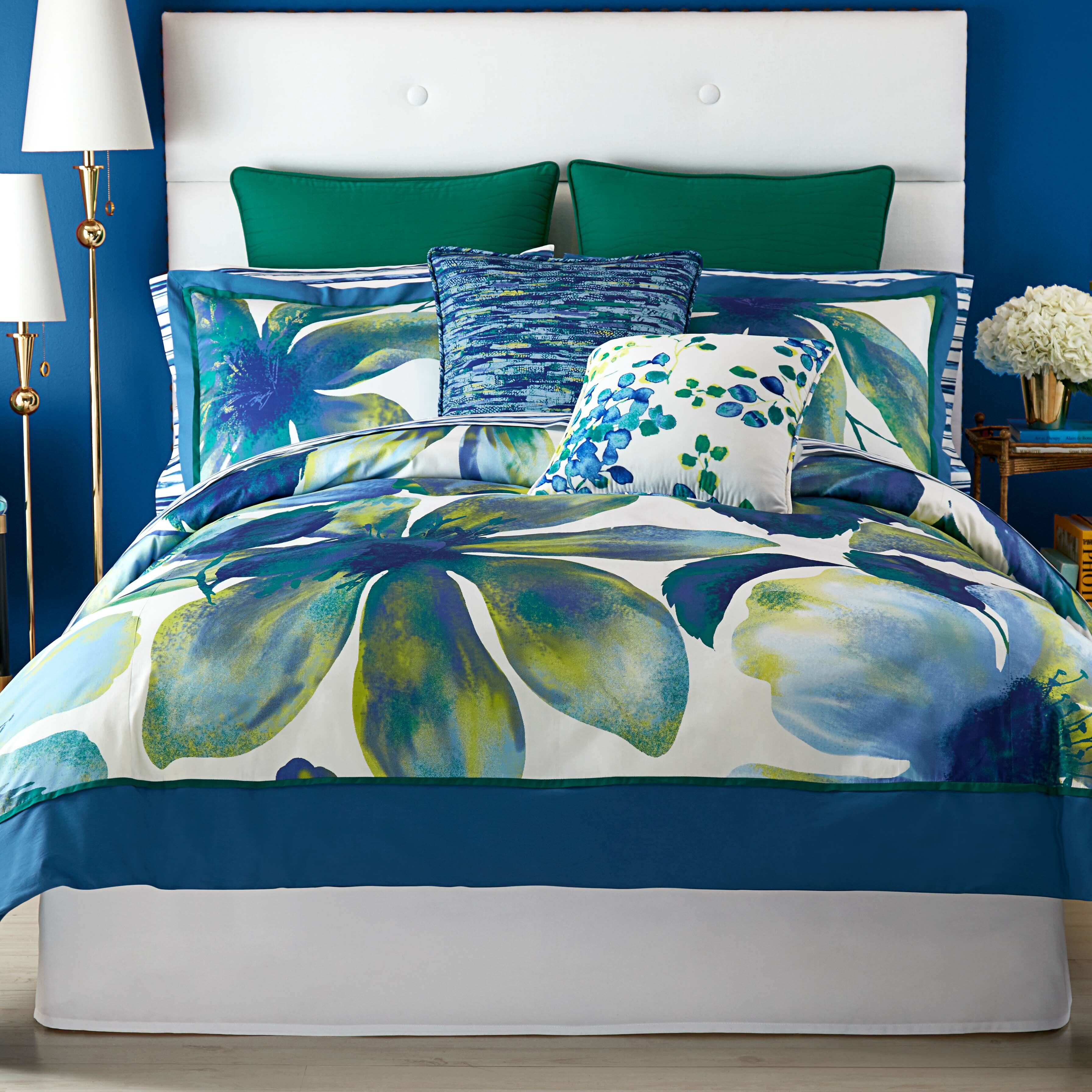 Christian Siriano Watercolor Bloom 3 Piece Comforter Set