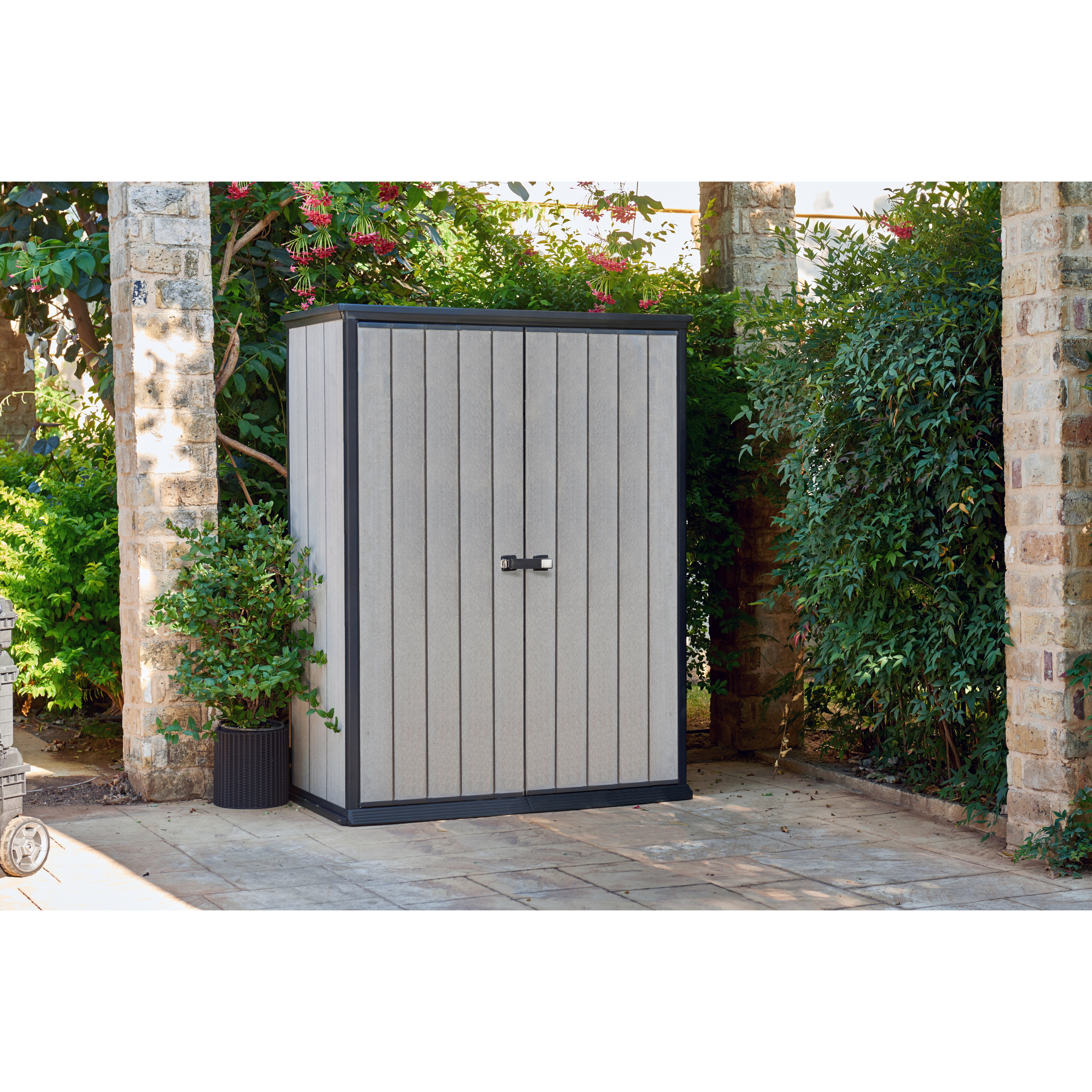 Keter high store 4 ft x 2 ft resin storage shed for Caseta pvc exterior